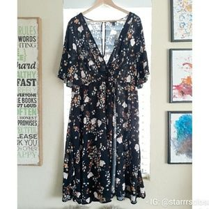 NWT Torrid Vneck floral dress